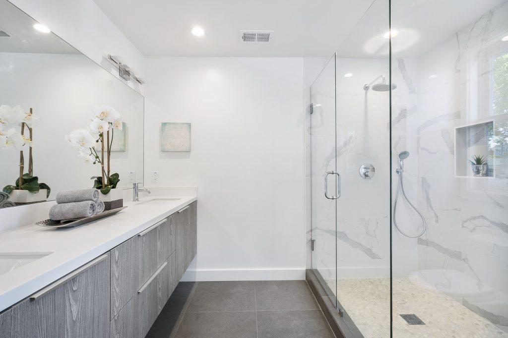 Shower box