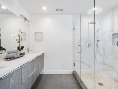 Tips For Homeowners Overseeing Their Shower Box Project